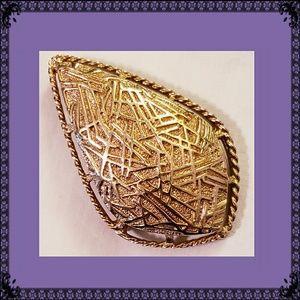 VTG Sarah Cov Gold Tone Teardrop Brooch/Pendant